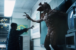 El confronts monster Stranger Things