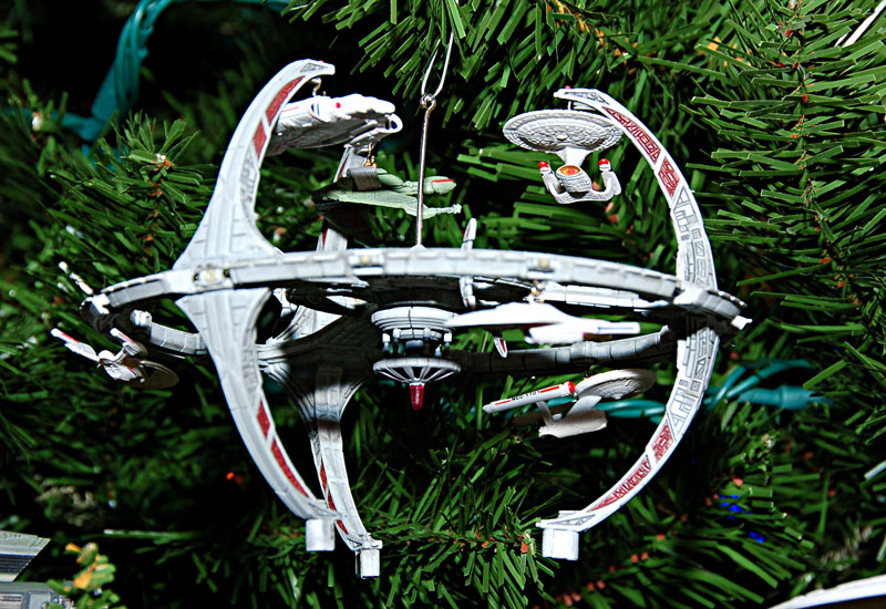 ds9 - The Greatest Star Trek Hallmark Ornaments Starloggers